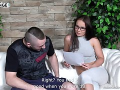 Czech pornstar practicing transmitted to art of fucking with an increment of her cunt tastes divine