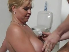 Chubby Blonde Dutch MILF Sexy Time Moment Respecting Ambiance Good