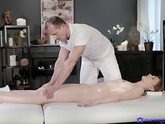 Full cadence on top of the masseur's cock in scenes of flawless riding