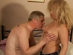 Chubby amateur wife Ember enjoys acquiring fucked in burnish apply eventide