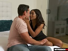Chocolate busty sexpot Jenna Foxx gives stud -off ride on top
